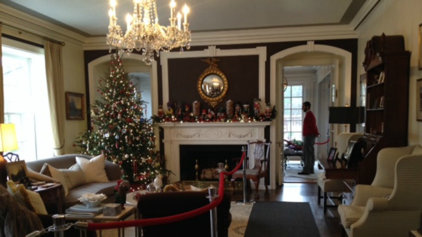 2014 governors mansion holiday lead
