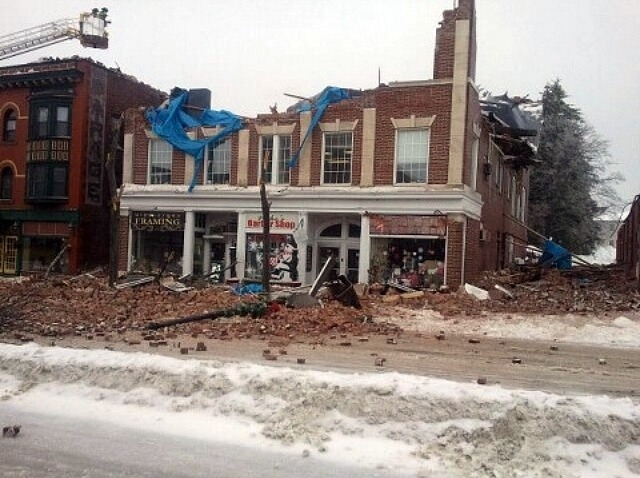505 Main St collapsed_640_480