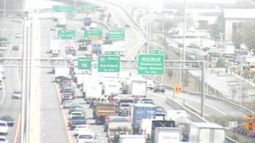 crash n Interstate 95 in New Haven
