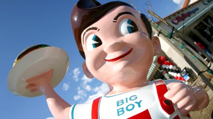 Bob's Big Boy statue