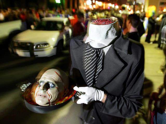 102908 Halloween costume - headless man