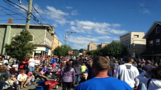 Crowds at the Southington Apple Harvest