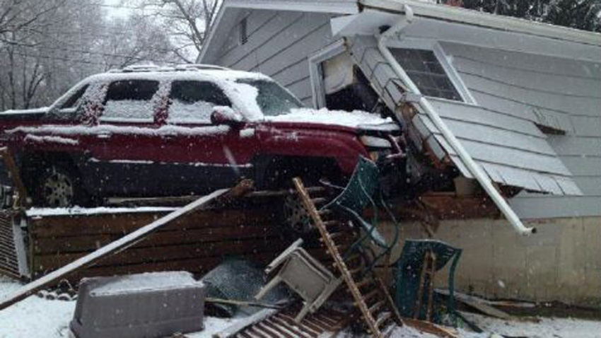 Milford crash into house 1200