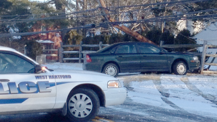 Mountain Road West Hartford crash 722