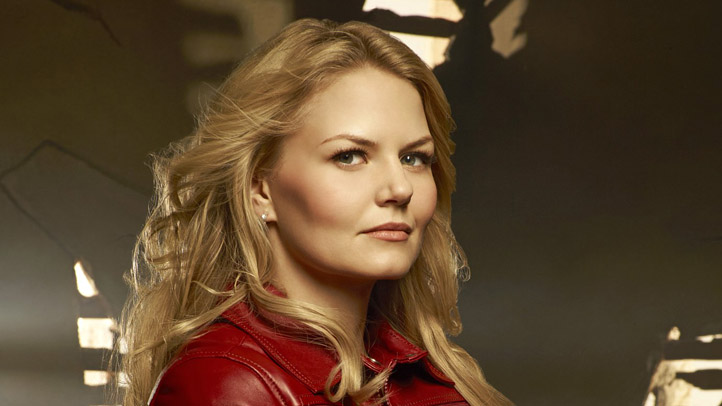 -Once-Upon-A-Time-Promotional-Photos-jennifer-morrison-25191176-1536-2048