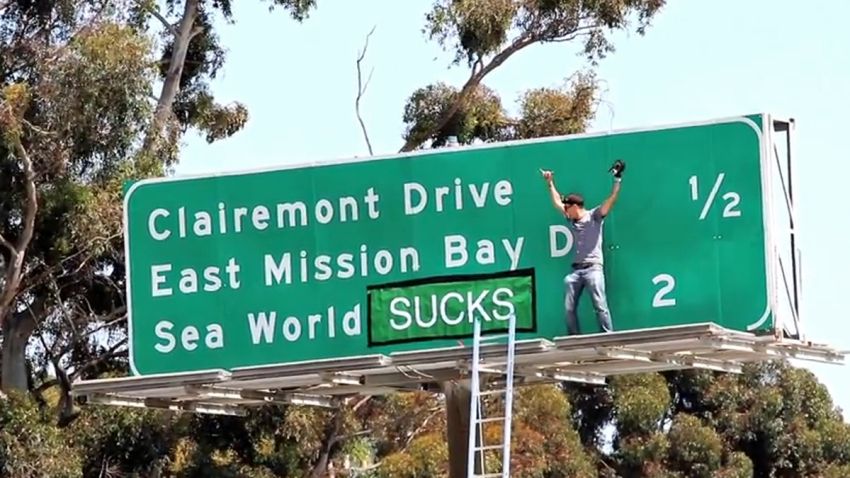 Sea-World-Sign-Steveo