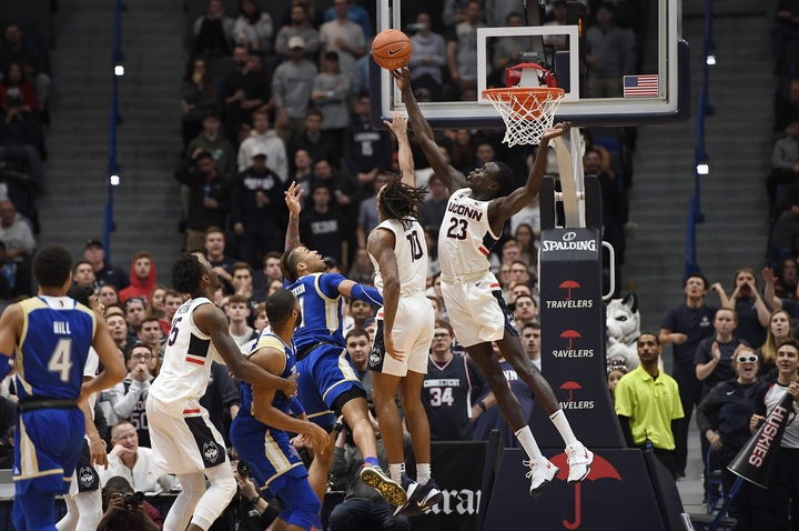 UConn Loses to Tulsa 79-75 in Overtime