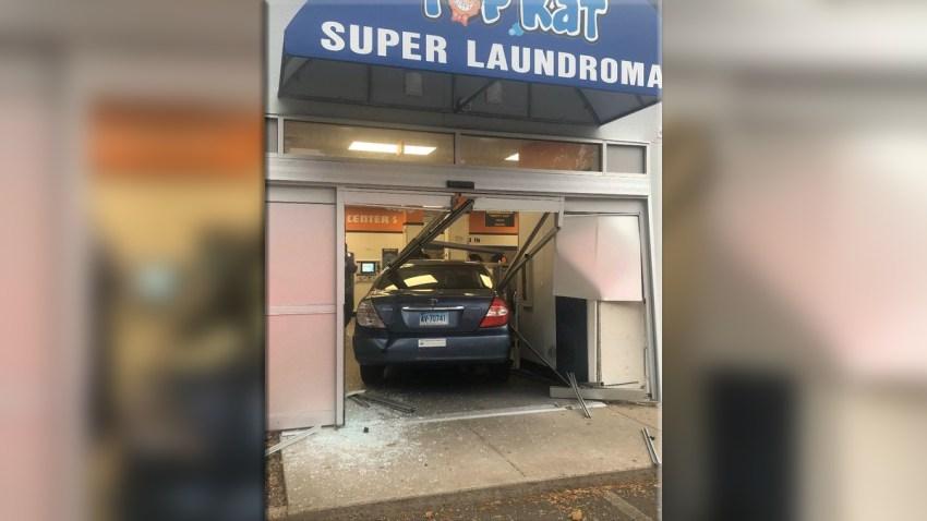 hamden car into building fs