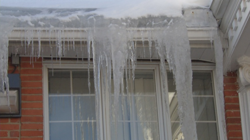 ice dams icicles