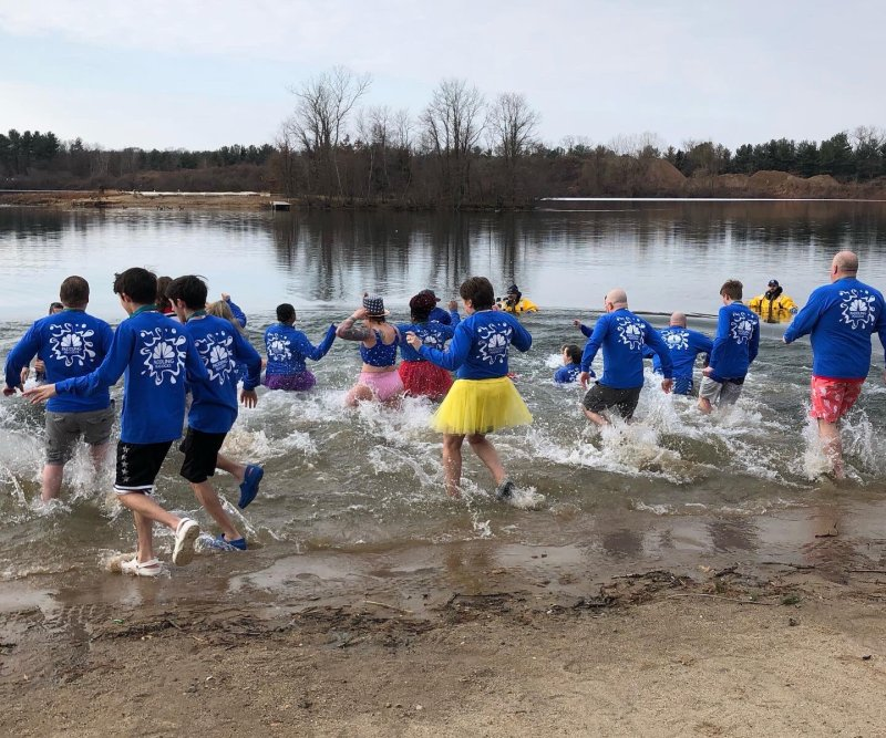 2020 Penguin Plunge Held in Farmington