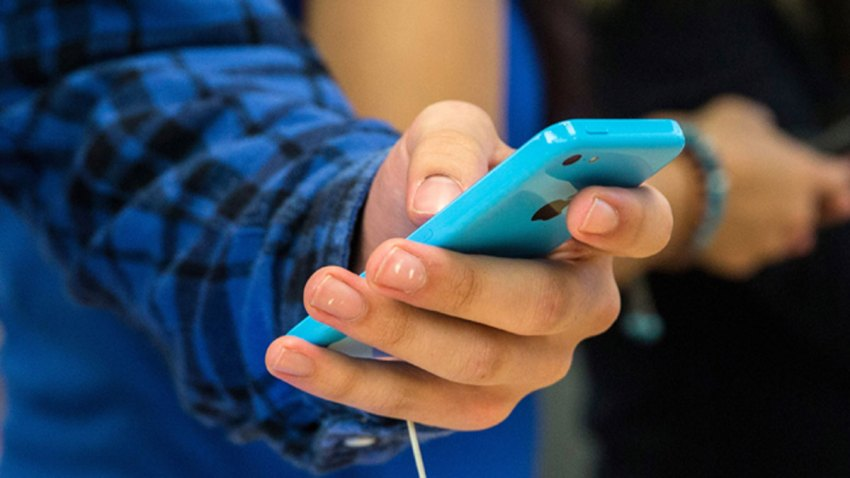 sexting-generic
