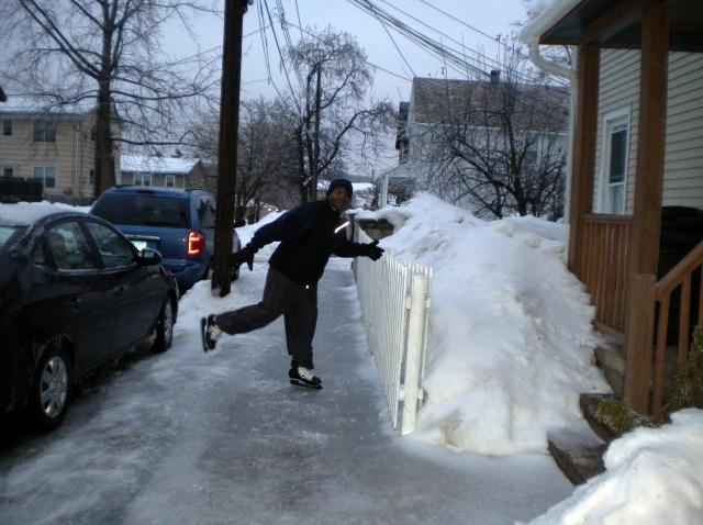 sidewalk skating_640_480