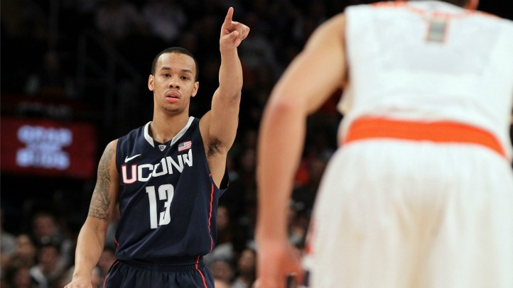 uconn shabazz pointing_fixed