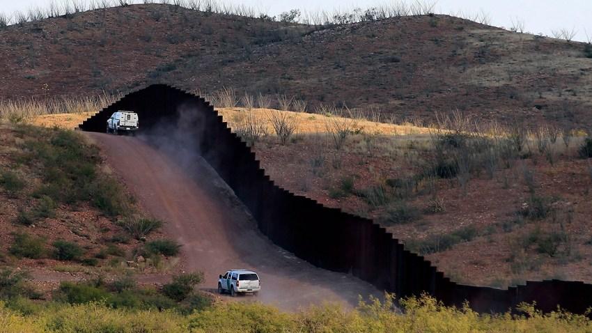 El Salvador Desperate Migrants