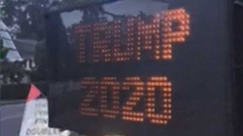 construction sign reads Trump 2020