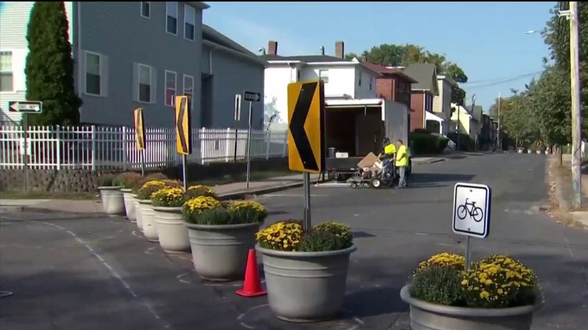 Planters to slow traffic in Hartford