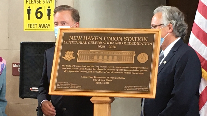 Plaque commemorating 100th birthday of Union Station