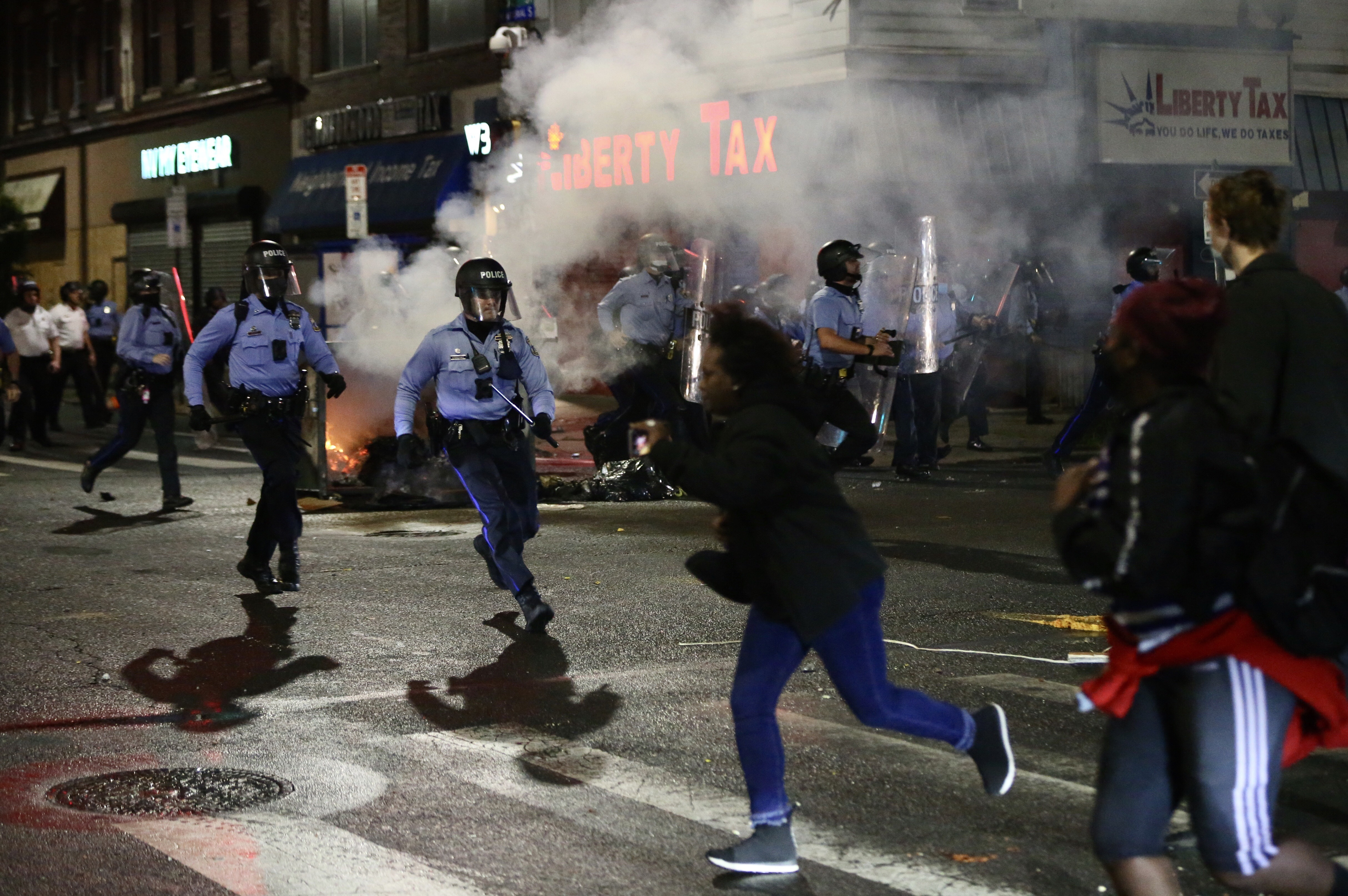 Violence Tears Through West Philadelphia, Other Neighborhoods After Police Shoot, Kill Walter Wallace Jr.; 30 Officers Hurt – NBC Connecticut