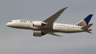 United Airlines plane