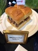 bbqpulledporksandwich