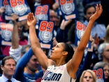 UConn women tying the record