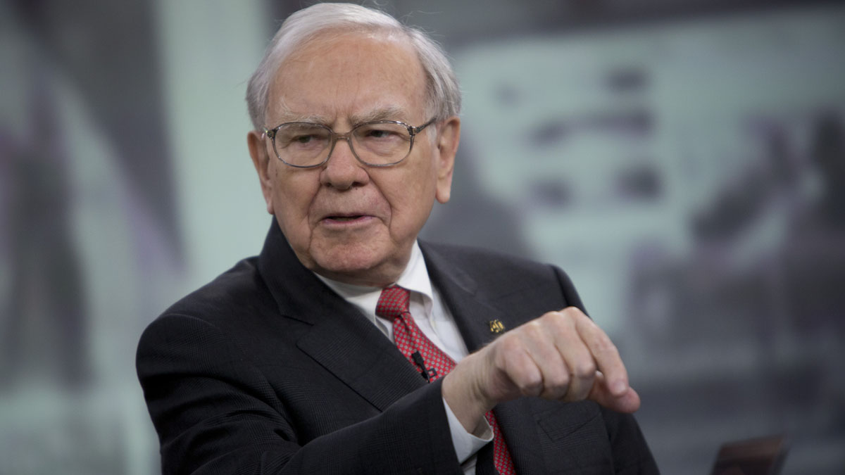 Warren Buffett, chairman and chief executive officer of Berkshire Hathaway Inc., speaks during an interview in New York, U.S., on Tuesday, Oct. 22, 2013. A second day of upsets ended any chance of someone having a perfect NCAA tournament bracket in Warren Buffett's $1 billion challenge.