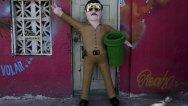 ss-el-chapo-pinatas-01.nbcnews-ux-1024-900