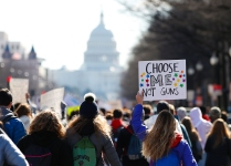 Students Walk Out of US Schools, Call for Stricter Gun Laws