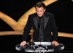 Penn Pleas for Gay Rights, Rourke at Oscars