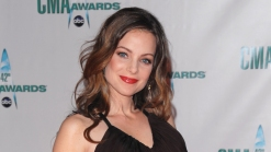 "Kimberly Williams-Paisley Is Causing Trouble in ""Nashville"""