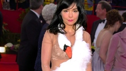 Singer Bjork's Vocal Cord Surgery Successful