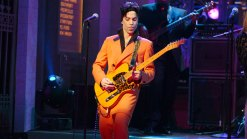 'SNL' Pays Tribute to Prince