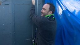 Dave Matthew Raises 12th Man Seahawks Flag