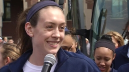 UConn Seniors Thank Fans at Send Off