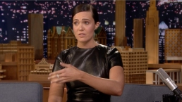 """'Tonight': Mandy Moore's Tears Melt Her """"This Is Us"""" Prosthetics Off"""