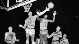 Earl Lloyd, First Black NBA Player, Dies at 86