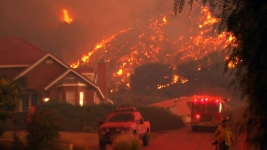 Body Found as Raging SoCal Wildfire Balloons to 22K Acres