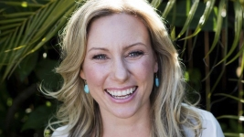 Minn. Cop Faces Murder Charge in Australian Woman's Shooting