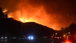 Wildfire Rages on LA's Northern Edge; 100K Evacuated