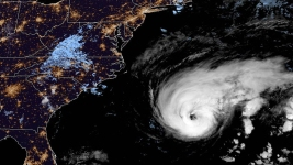 Bermuda Lashed by Heavy Winds From Cat 3 Hurricane Humberto