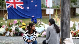 In Wake of Shooting, New Zealanders Show Kindness to Muslims