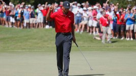 Tiger Woods Caps Off Amazing Comeback With a Win