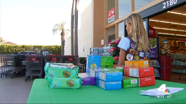 Launa Archer, a Costa Mesa Girl Scout, was selling boxes of cookies outside Stater Bros. grocery store when a man purchased five boxes with a counterfeit $100 bill. After he left with $75 change, Archer's mother realized the bill was fake and alerted police. A woman later approached them and donated $100 so Archer wouldn't have