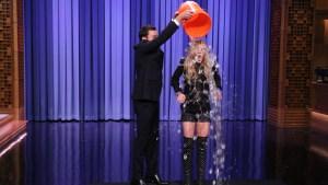Fallon: Lohan Takes the ALS Ice Bucket Challenge