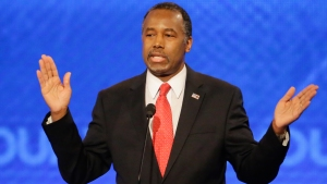 Ben Carson Waits in the Wings in Debate Introduction