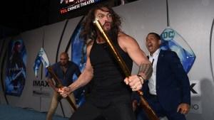 'Aquaman' Jason Momoa Leads Haka Dance at Premiere