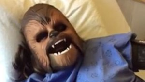 Mom-to-Be Wears Chewbacca Mask While in Labor