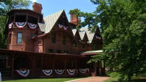 Tom Sawyer With A Revolver? Twain House Has Live 'Clue' Game