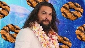 Colorado Girl Scout Sells 'Momoa' Samoa Cookies
