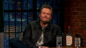 'Late Night': Blake Shelton on Working With Bette Midler on 'The Voice'